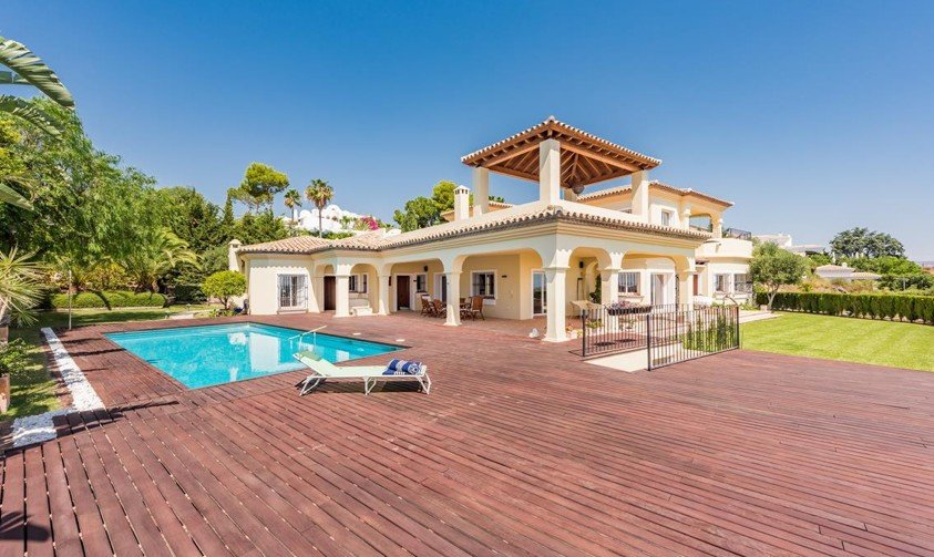 Villa for rent in El Paraiso