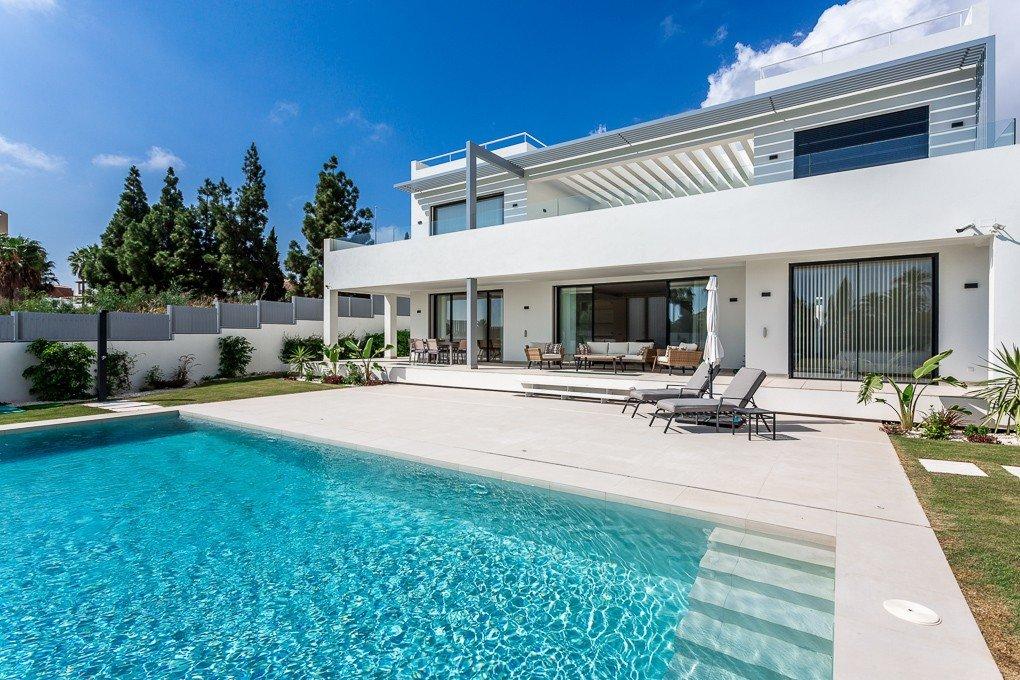 Villa for sale in Marbella, Las Lomas del Marbella Club