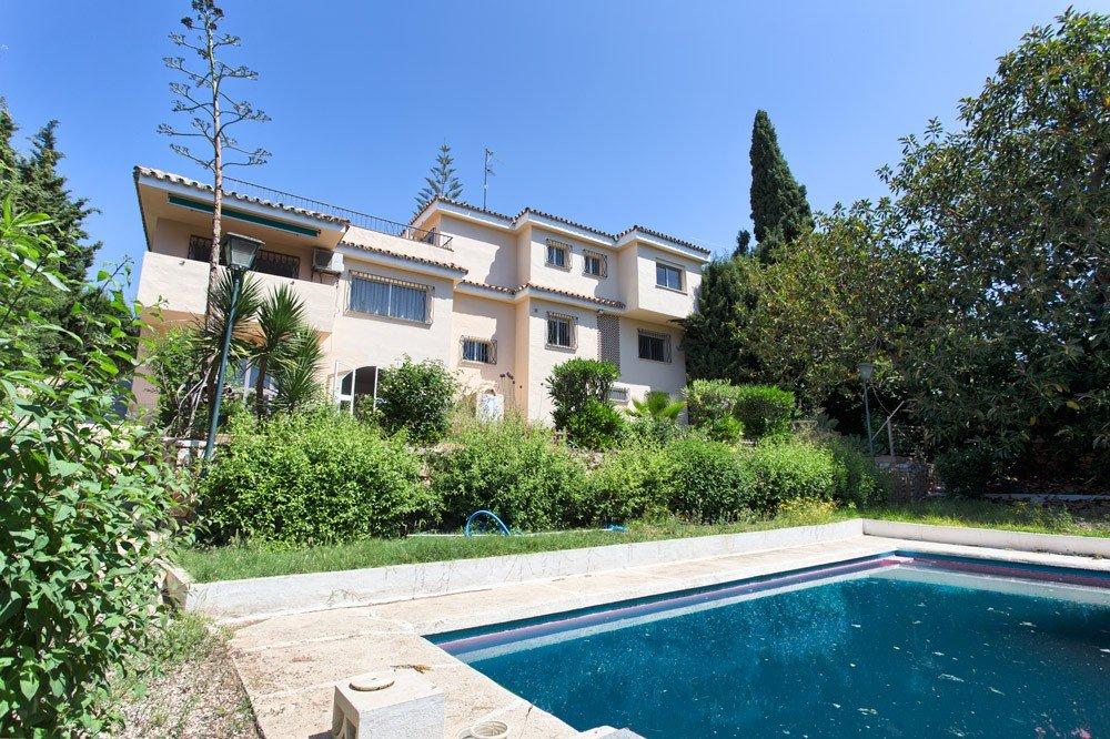 Villa for sale in Las Lagunas de Mijas