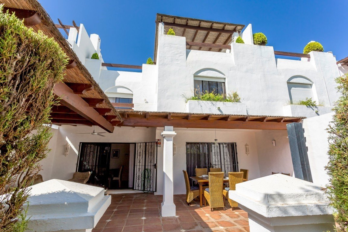 Townhouse for rent in Guadalmina Baja