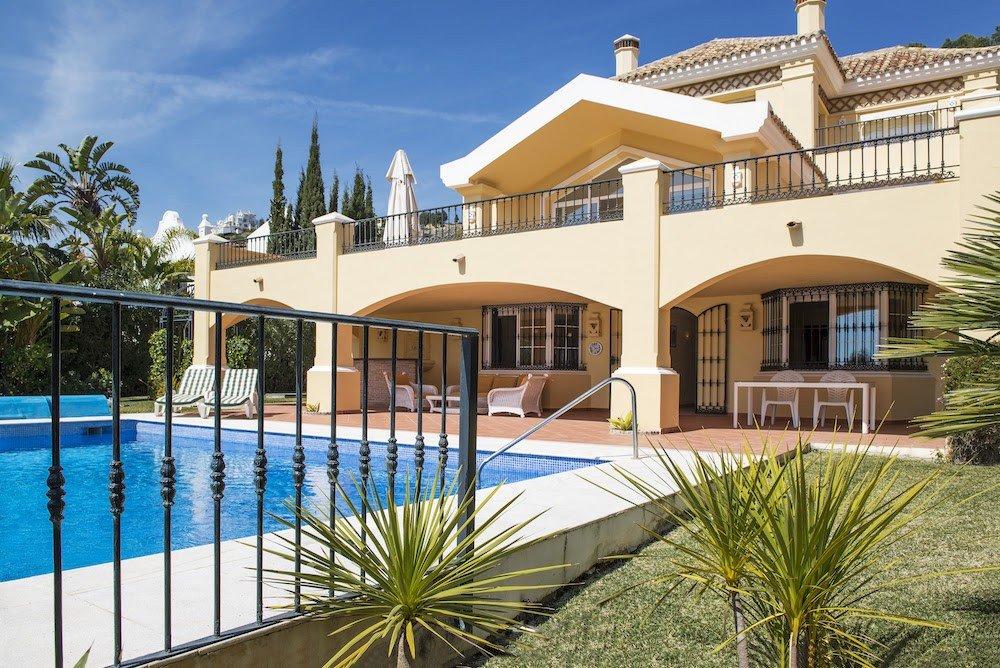 Villa for sale in Benahavis, La Quinta
