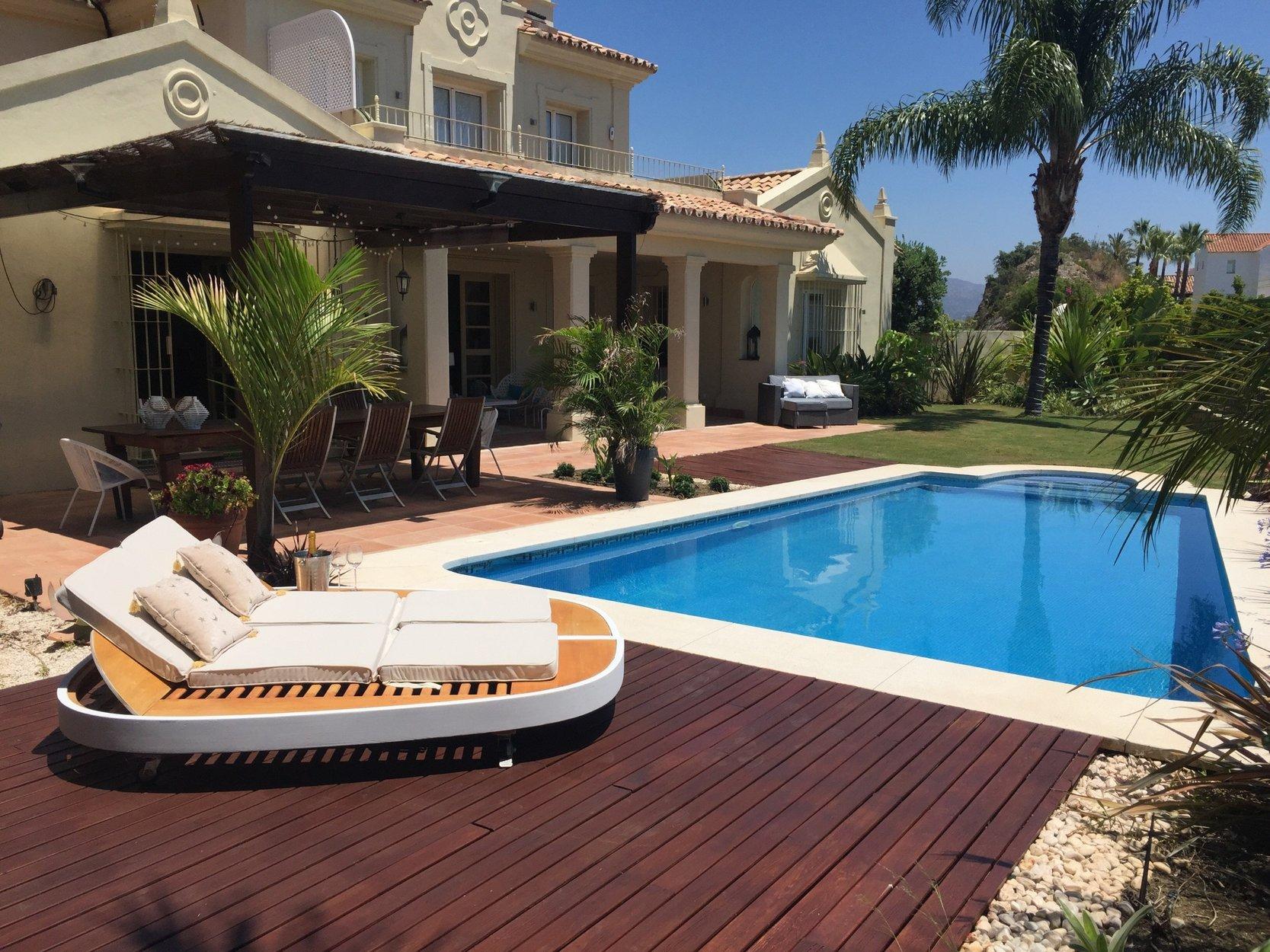 Villa for rent in Los Almendros