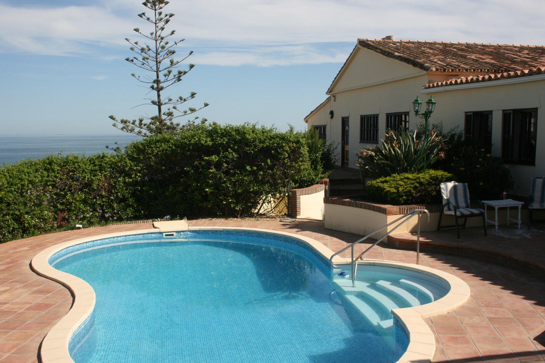 Villa for sale in Torreguadiaro