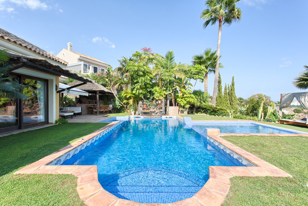 Villa for sale in Los Almendros