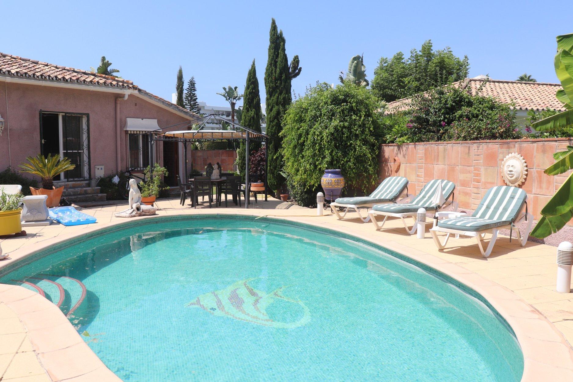 Villa for sale in San Pedro Alcantara, Guadalmina Alta