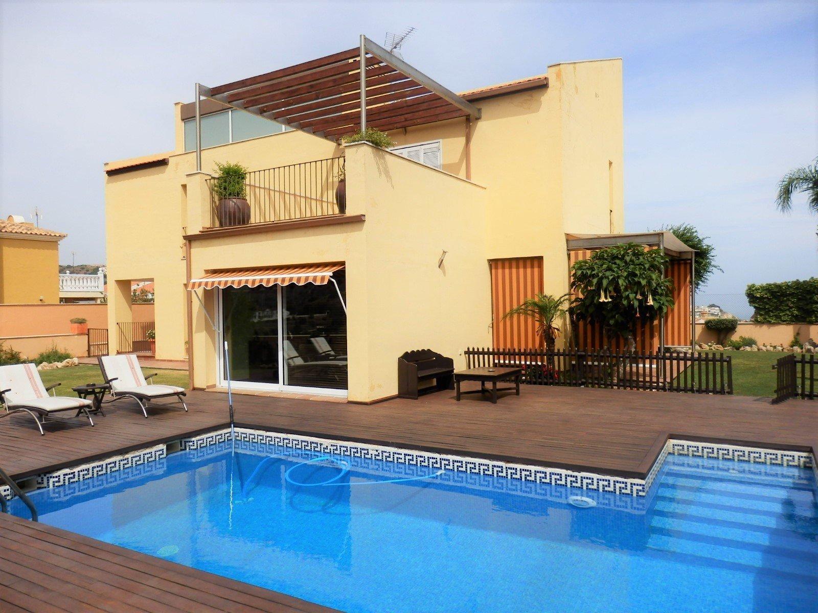 Villa for sale in La Cala del Moral