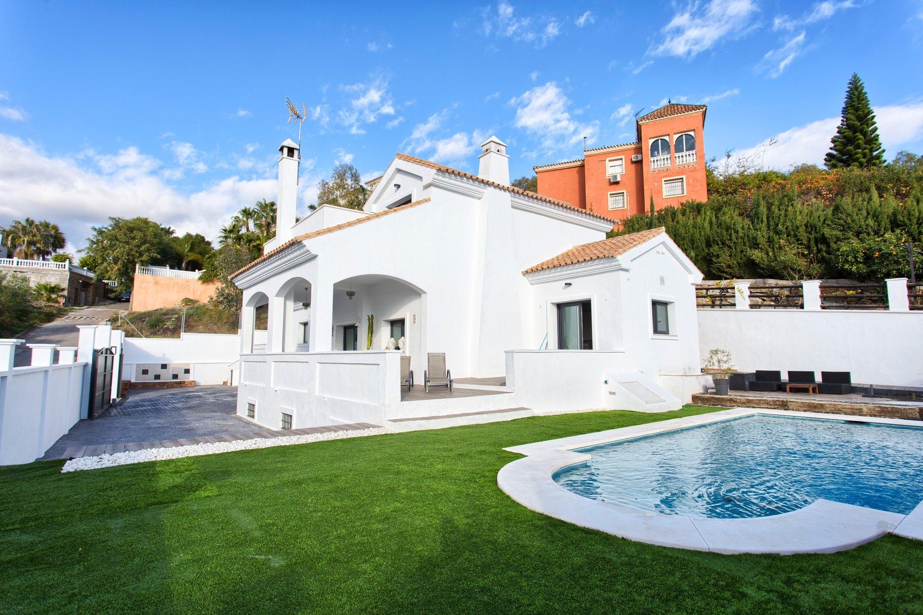 Villa te koop in Estepona, New Golden Mile