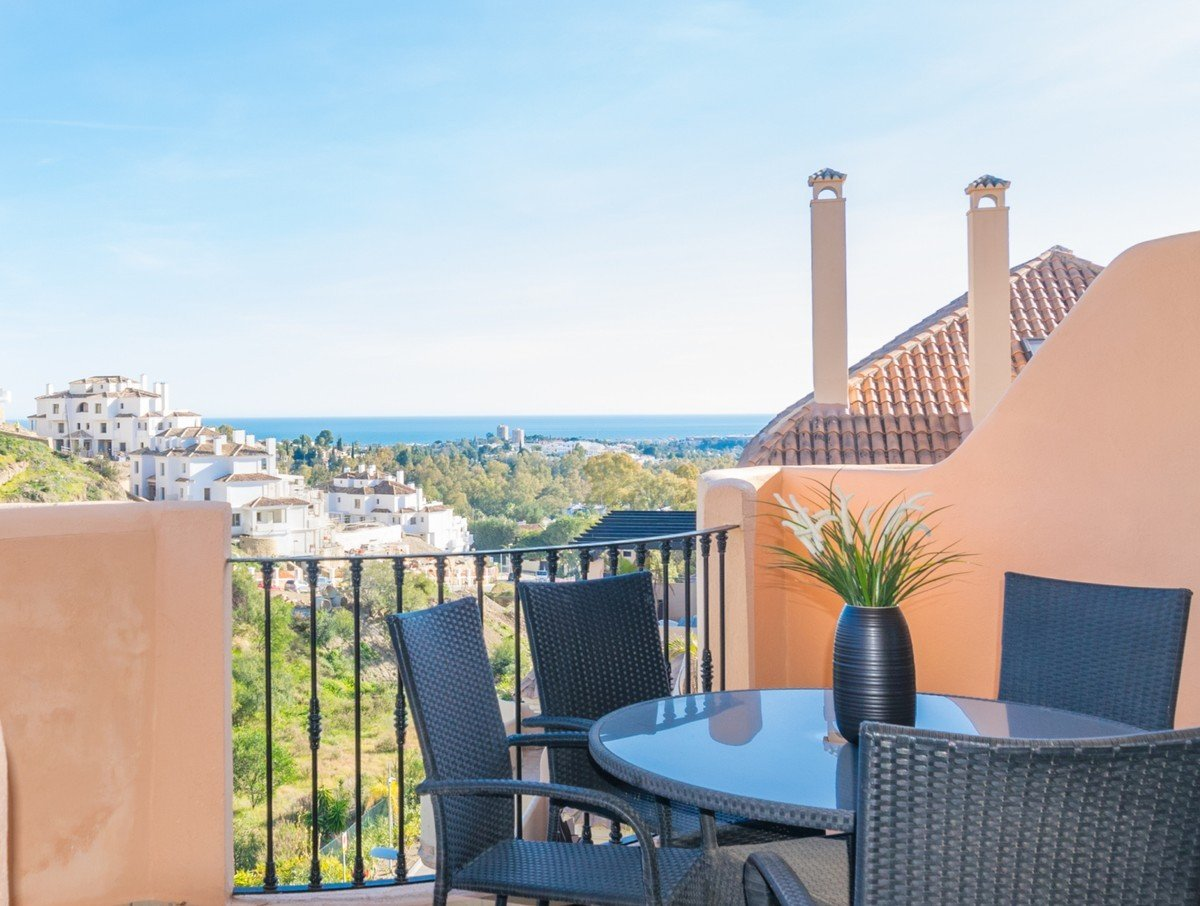 Apartment for sale in Marbella, Aloha Hill Club
