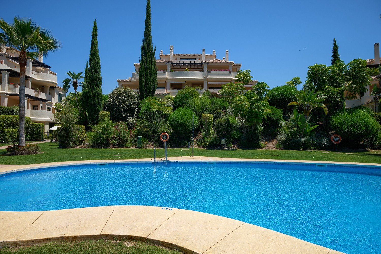 Penthouse for sale in Benahavis
