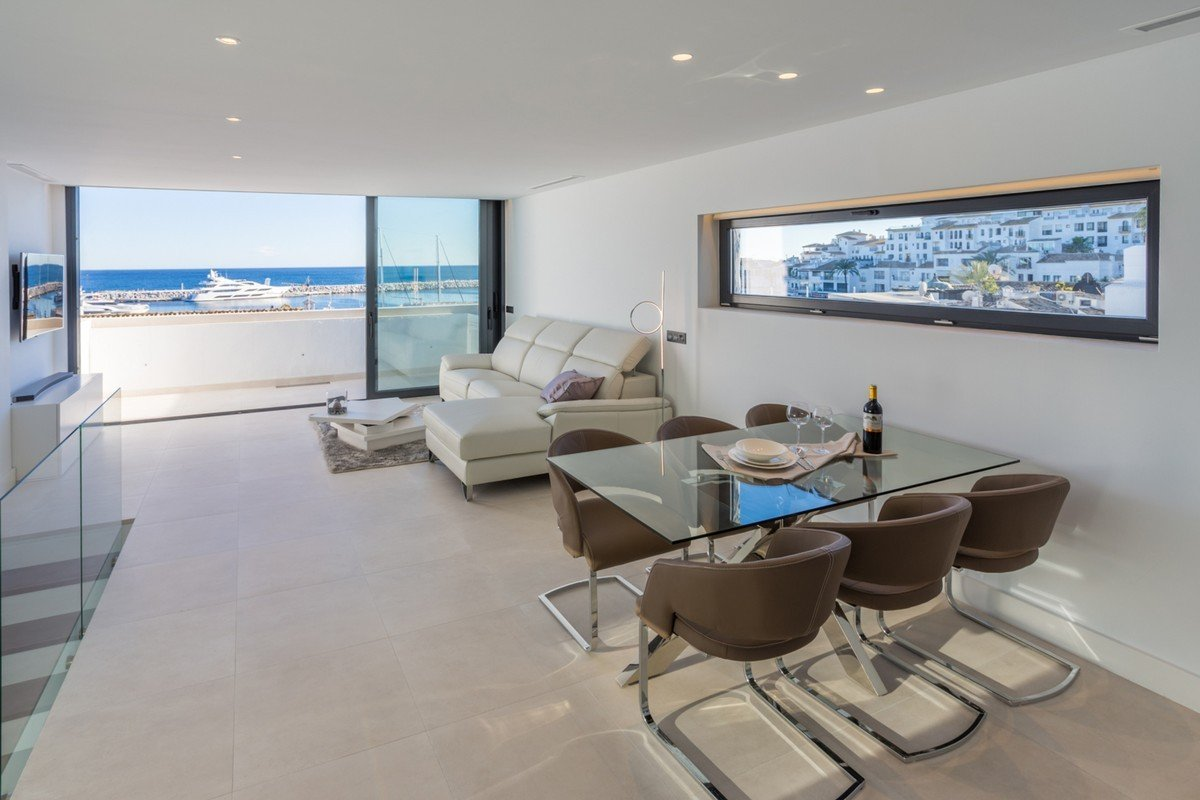 Penthouse for sale in Marbella, Puerto Banus