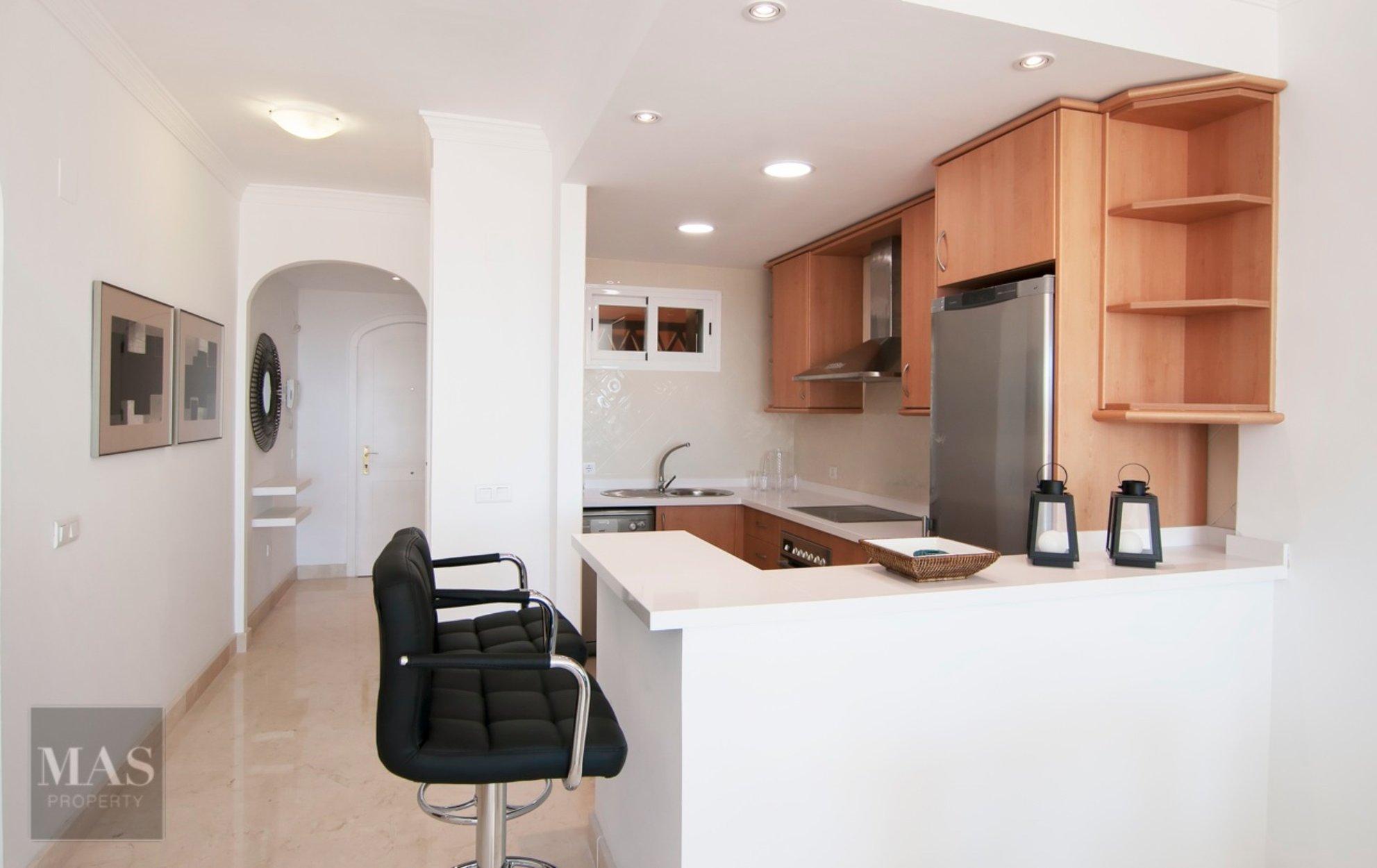 2 Bedroom, 2 Bathroom Apartment For Sale In Elviria, Marbella