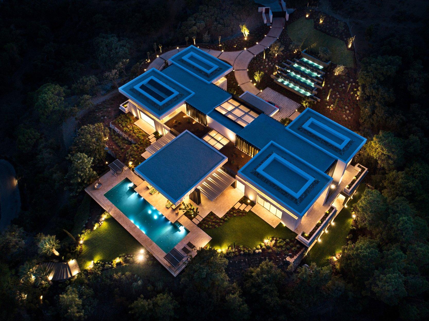 10 Bedroom 14 Bathroom Villa For Sale In La Zagaleta Benahavis Mas Property Marbella