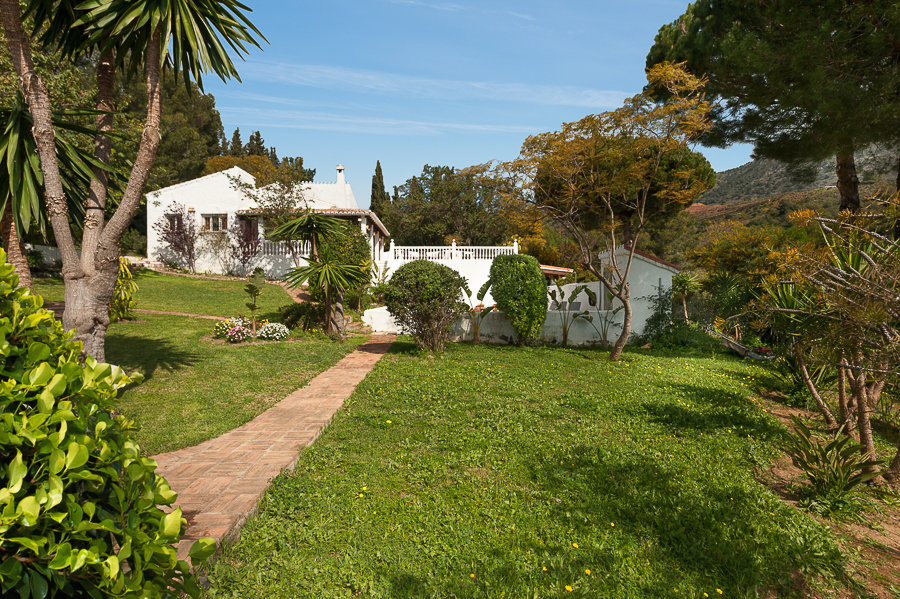 Country house for sale in Fuengirola