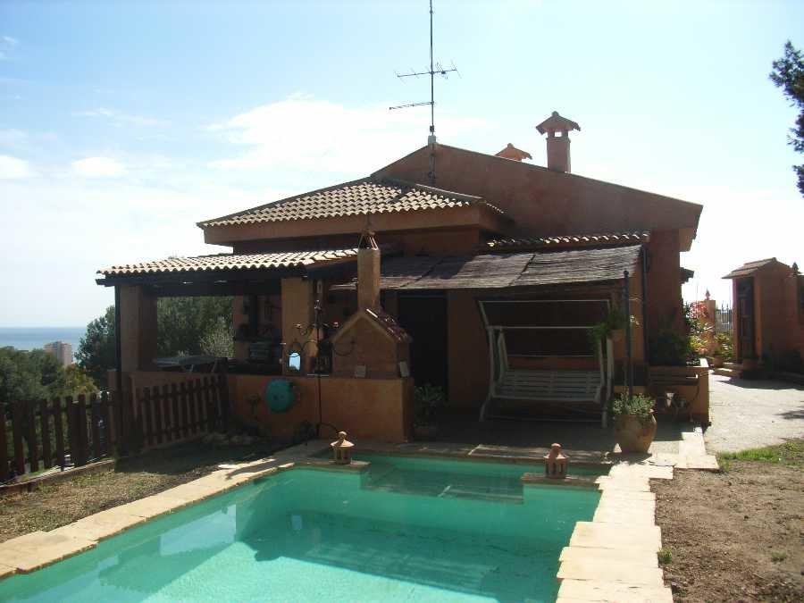 Villa for sale in Torremolinos
