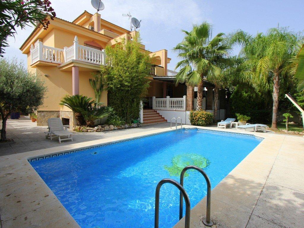 Villa te koop in Torremolinos