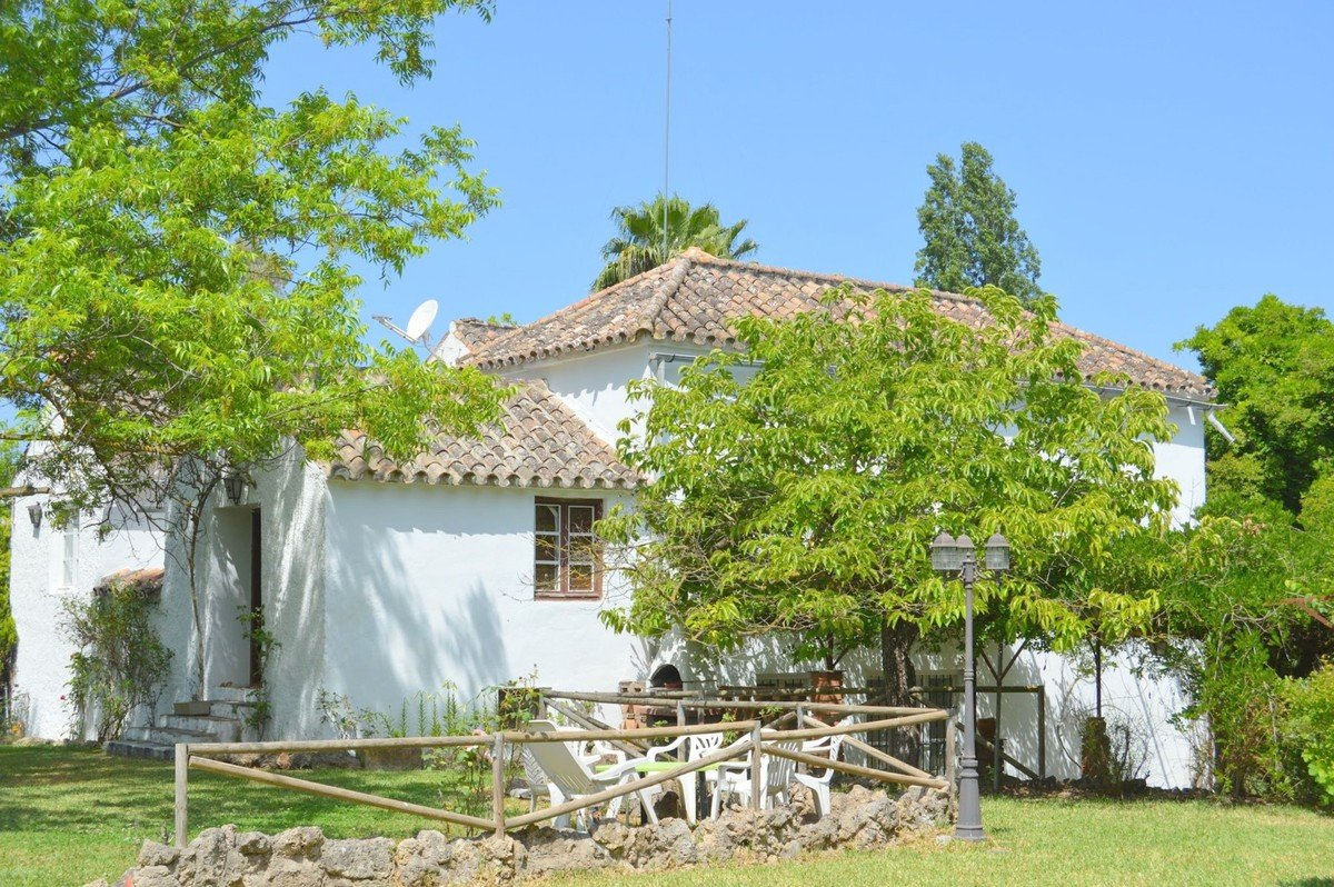 5 Bedroom 3 Bathroom Country House For Sale In Coin Mas