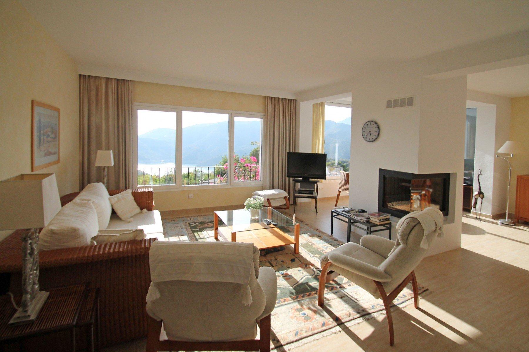 Villa for sale in Istan