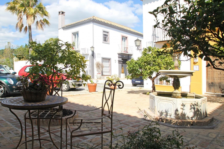 Townhouse for sale in Benahavis