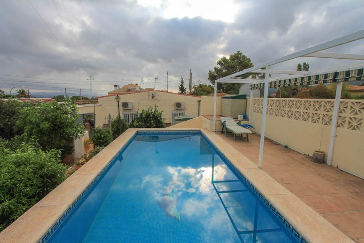 Country house for sale in Alhaurin de la Torre