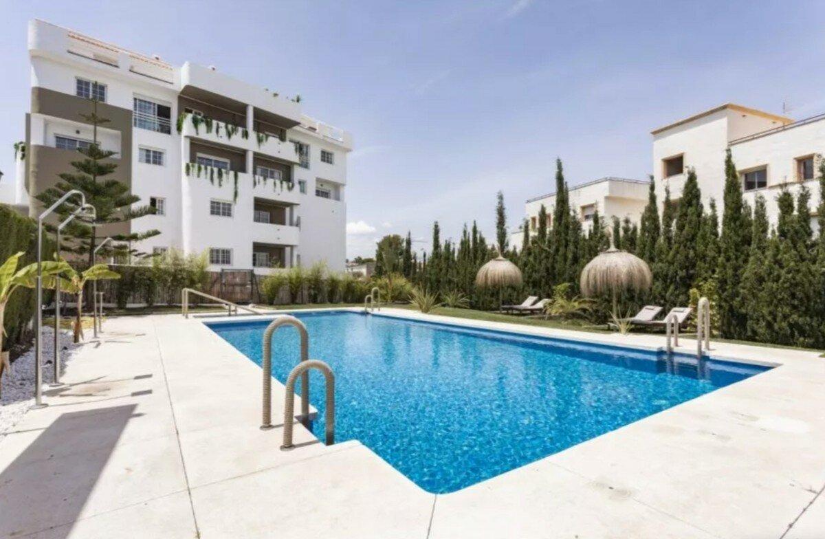Apartment for sale in Marbella, Puerto Banus