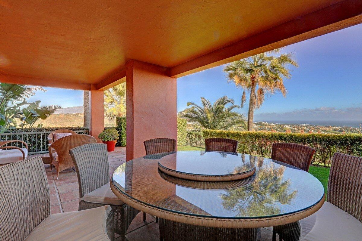 Apartment for sale in Benahavis, Los Flamingos