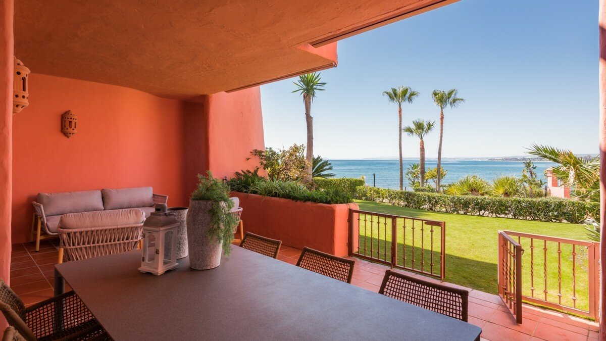 Apartment for sale in Estepona, New Golden Mile