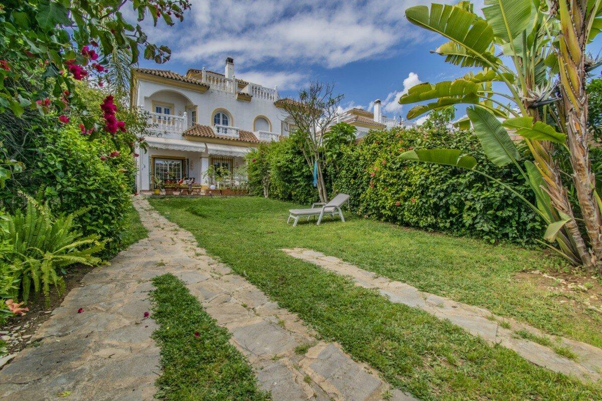 Villa for sale in Marbella, Marbella Golden Mile