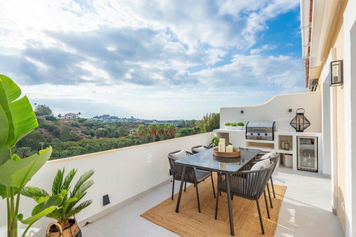 Penthouse for sale in Benahavis, La Quinta