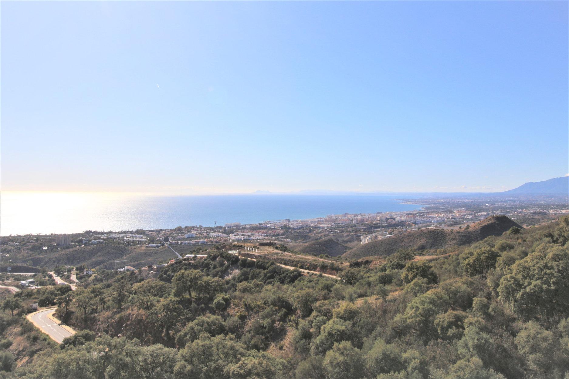 Penthouse for sale in Marbella, Los Altos de los Monteros