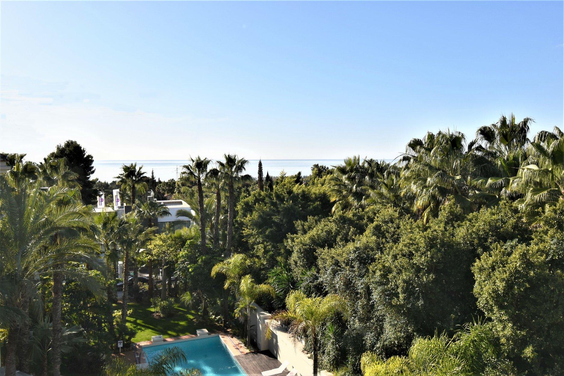 Penthouse for sale in Marbella, Retiro de Nagüeles