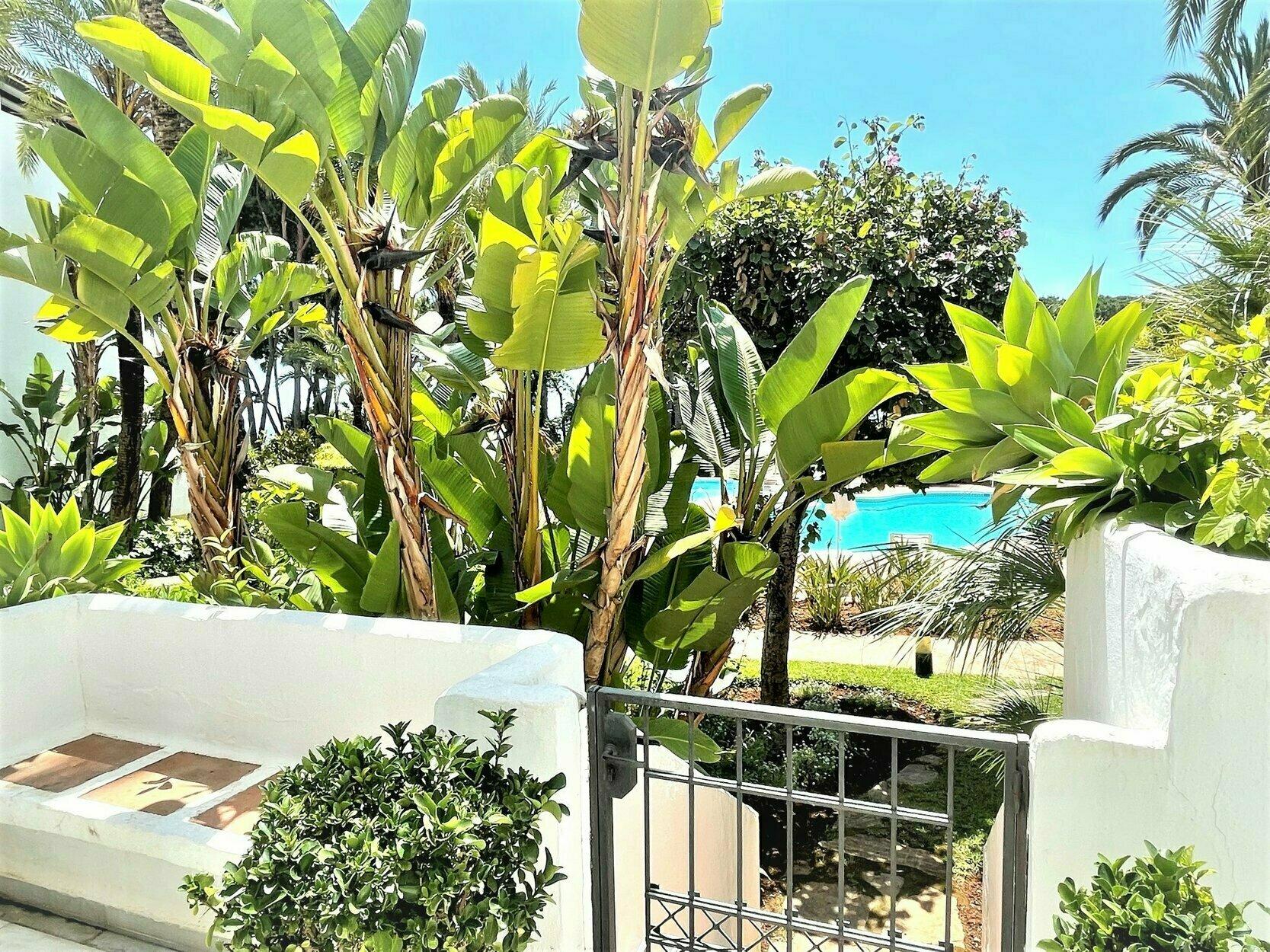 Apartment att hyra i Marbella, Alhambra del Mar