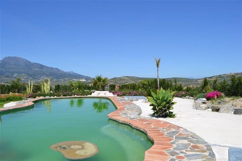 Country house for sale in Tolox