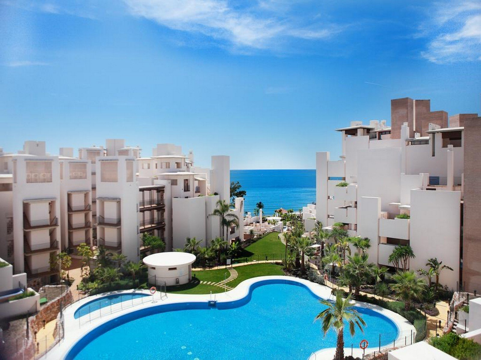 Penthouse for sale in Estepona, Bahia de la Plata