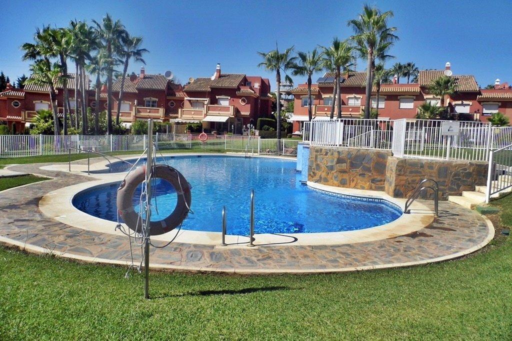 Rekkehus til salgs i Estepona