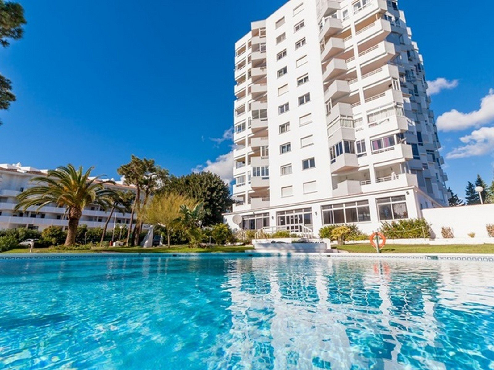 Apartment te koop in Calahonda