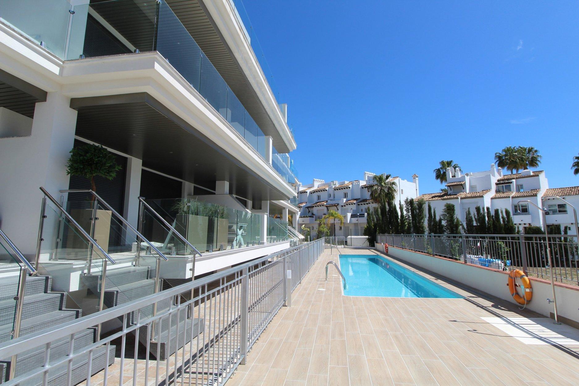 Apartment till salu i Estepona, Costalita