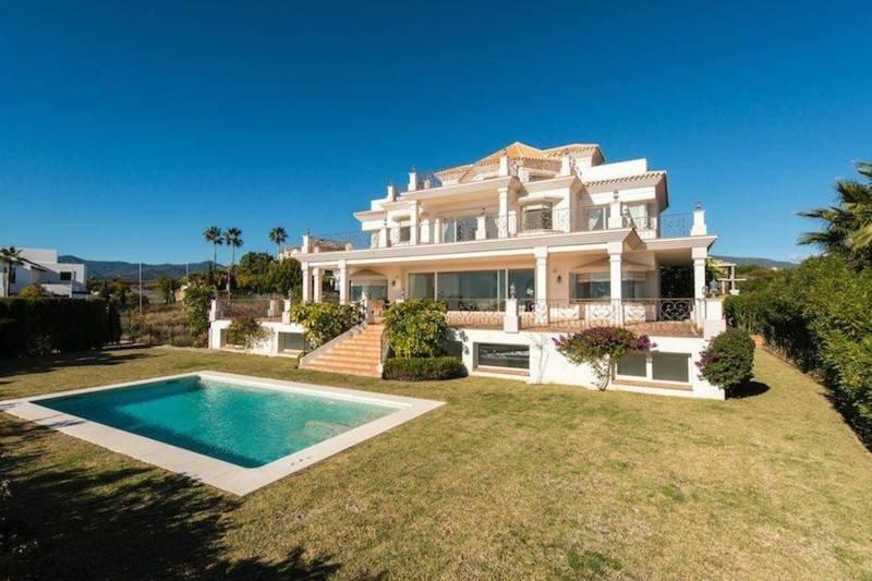 Villa en alquiler en Benahavis