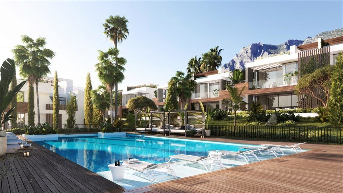 Villa for sale in Marbella, Sierra Blanca