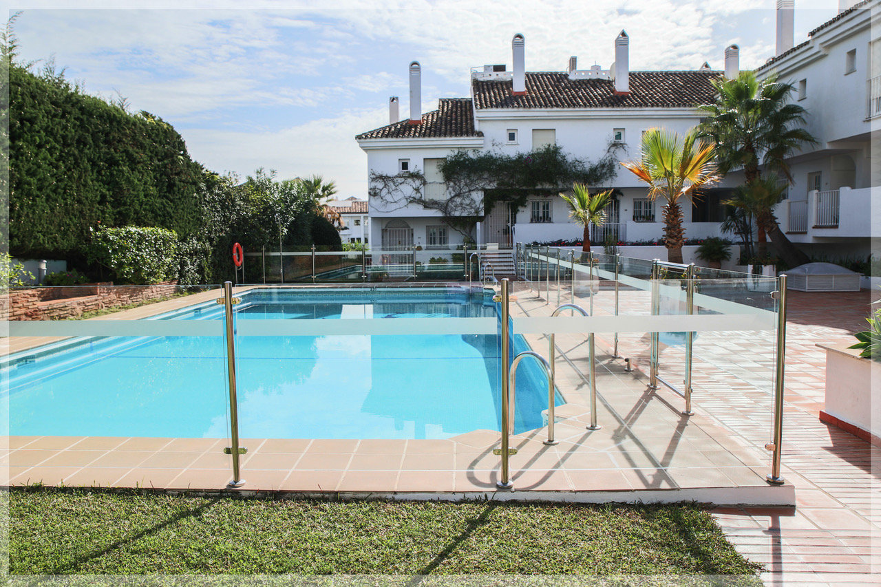 aaa1 bedroom Apartment in Puerto Banus, Marbella | M261376