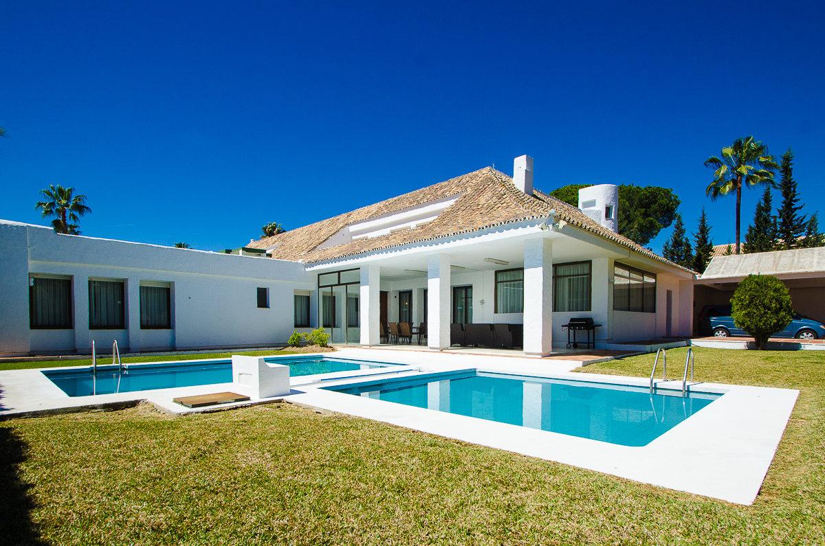 aaa5 Комнатный Дом в Puerto Banus, Marbella | M156598