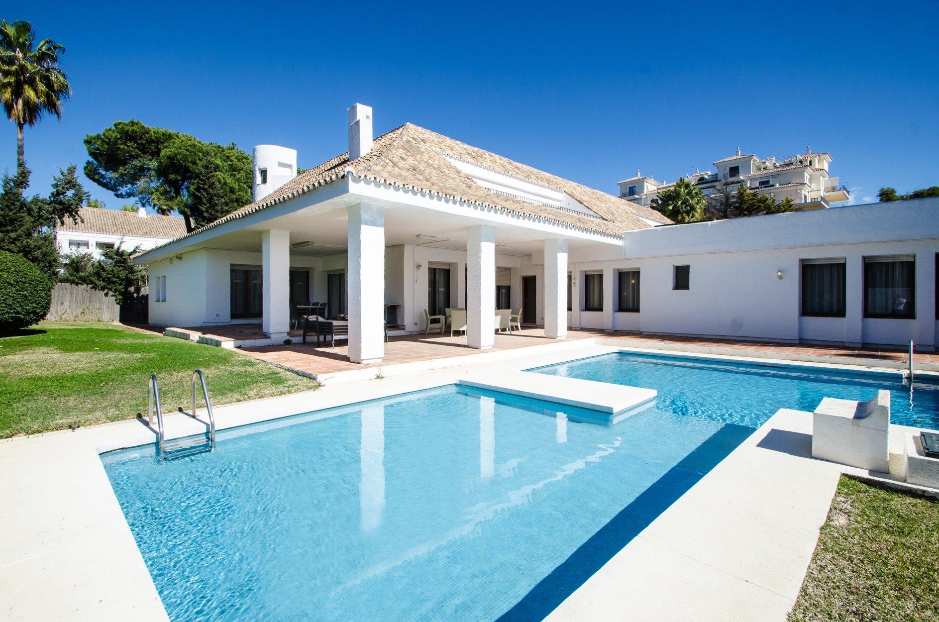 aaa6 Комнатный Дом в Puerto Banus, Marbella | M156599