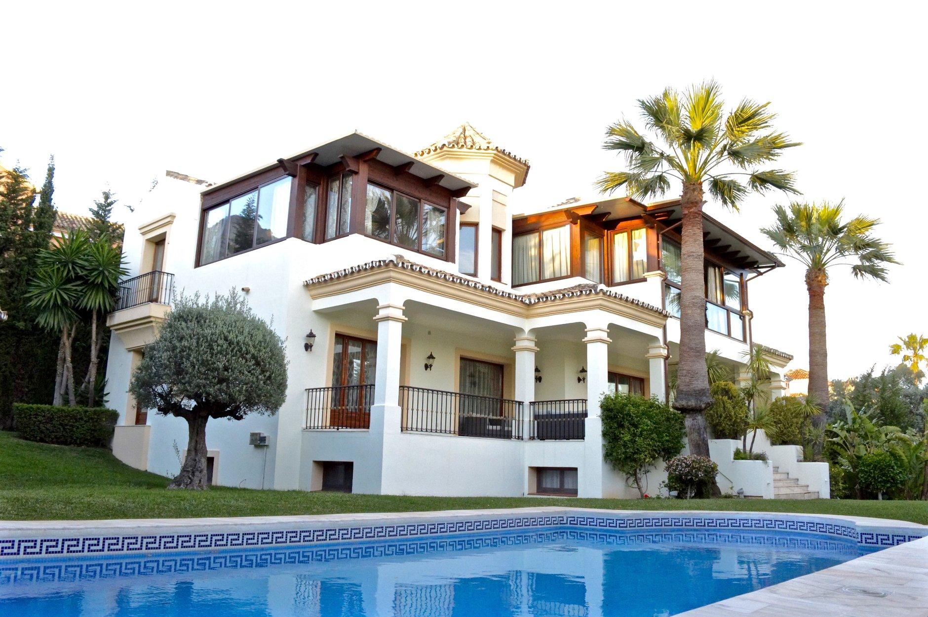 aaa5 Комнатный Дом в Sierra Blanca, Marbella | M142902