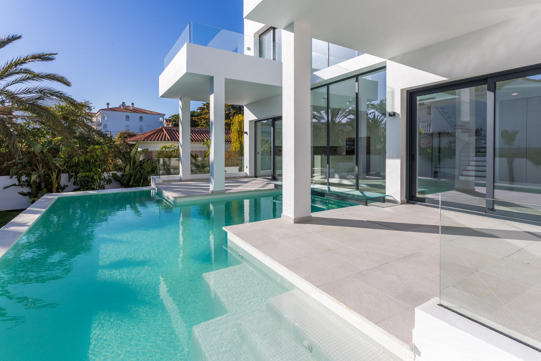 aaaVilla de 5 dormitorios en Marbesa, Marbella | M196638