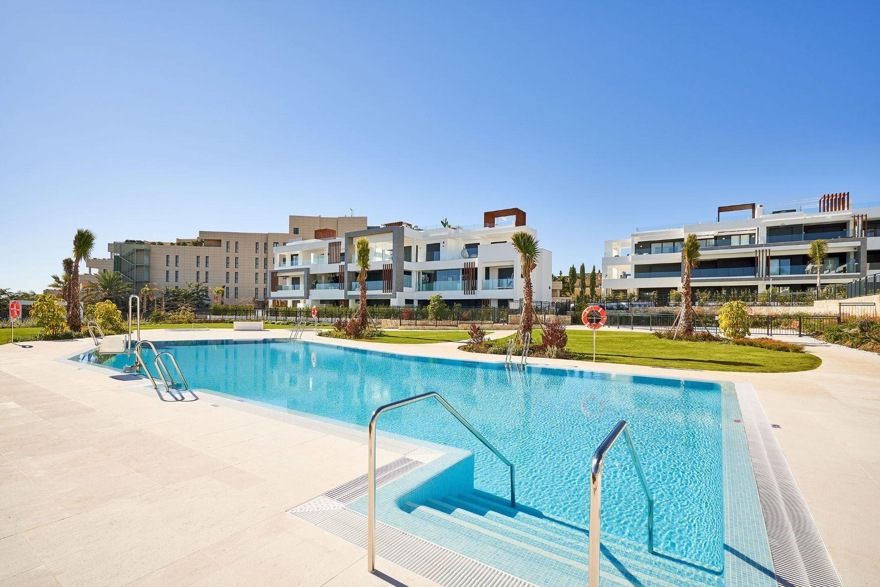 Apartment for sale in Estepona, Cancelada