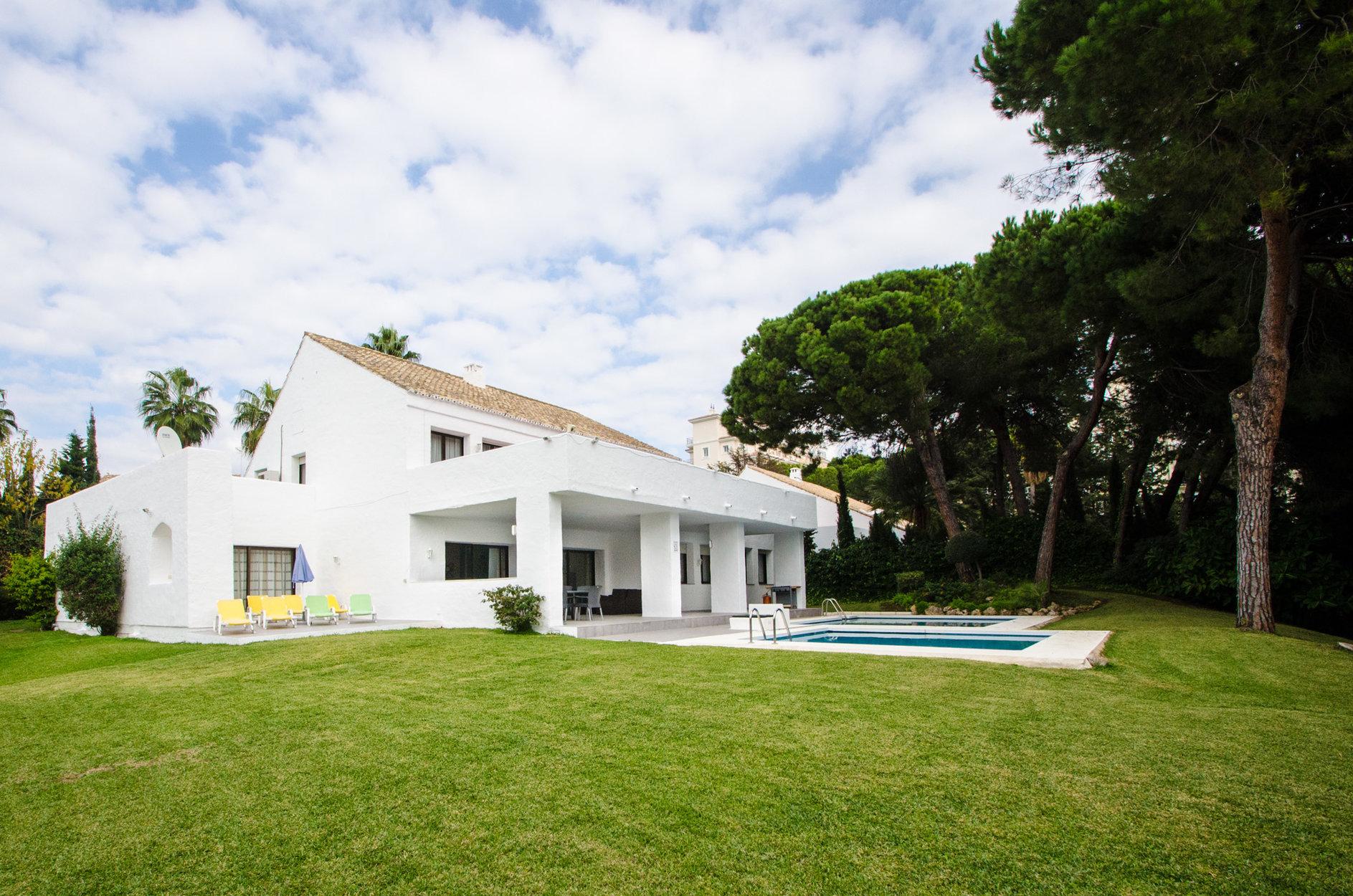 aaa5 Комнатный Дом в Puerto Banus, Marbella | M156597