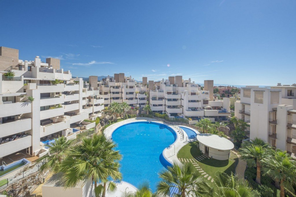 Penthouse for sale in Estepona, New Golden Mile