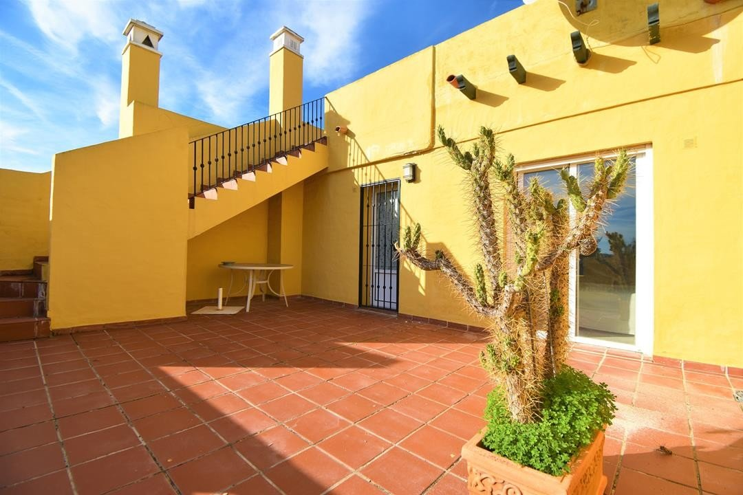 Townhouse for sale in Guadalmina Alta