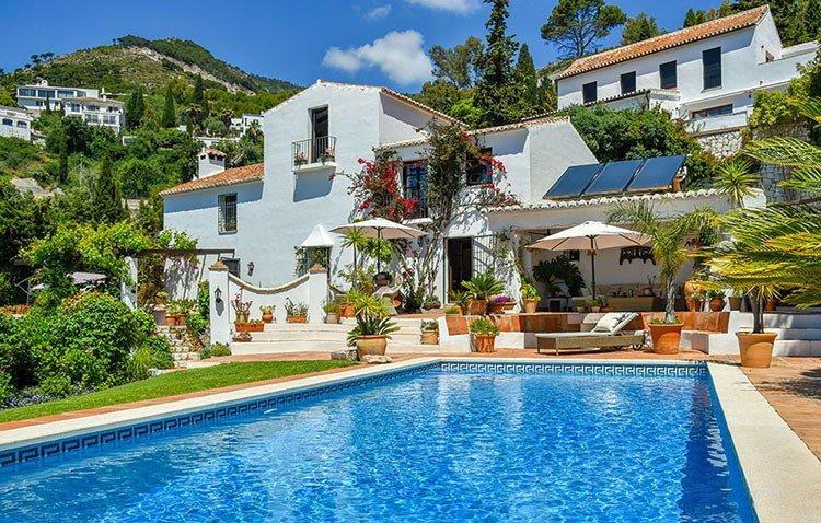 Villa for sale in Mijas Pueblo