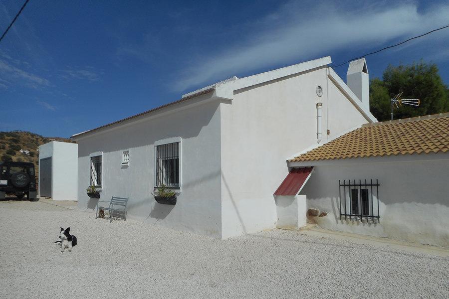 Villa for sale in Villanueva de la Concepcion