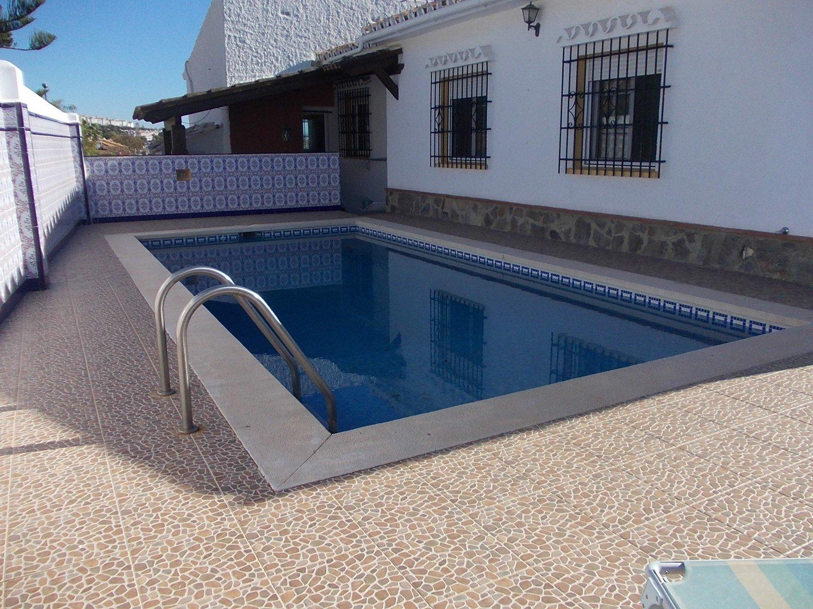 Villa for sale in Benalmadena, Arroyo de la Miel